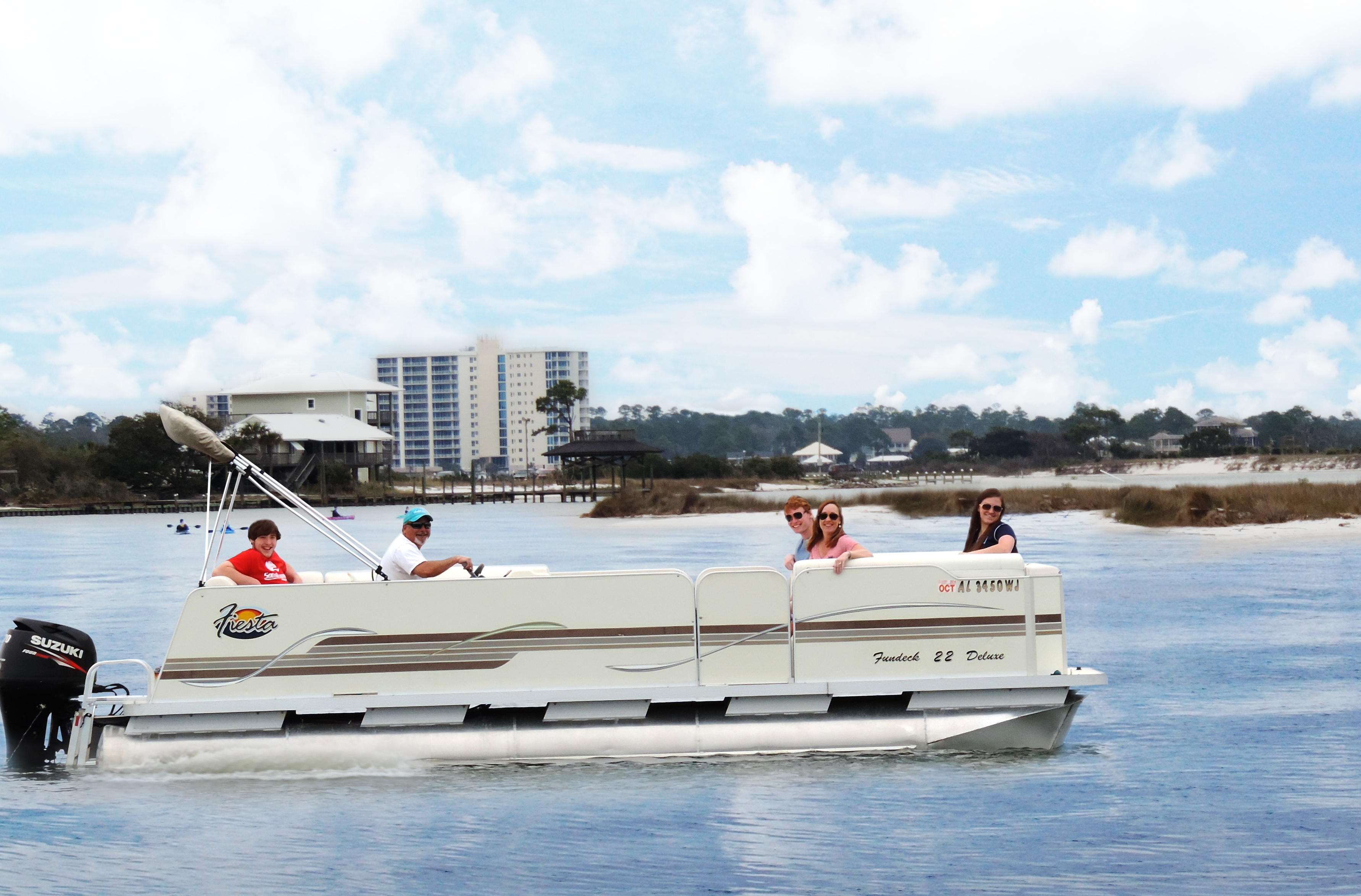 Pontoon boat rentals in cheboygan mi in